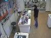 Кража сотового в магазине «Связной» в Печоре