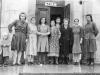 Первые работники ДКЖ. Из архива В.Н. Орешкиной