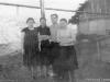 1955-56 г. В таких землянках жили люди. Фото из архива Валентины Яковлевны Овечкиной.