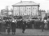 Пионерский митинг у гостиницы на пл. Советской в День пионерии 19 мая. Конец 1950-х годов