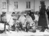 1965 г. Упряжка оленей во дворе домов №№ 29 и 31 по Печорскому пр. Фото из архива Жерихиной В.Г.