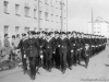 1 мая 1963 г. Курсанты ПРУ идут на парад. Фото из архива Татьяны Мыниной.