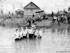 Май 1956 г. Первое купание в п. Путеец после наводнения. Фото из архива Маклаковой И.А.
