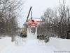 Установка памятника-вертолета «Ми-8» на постамент