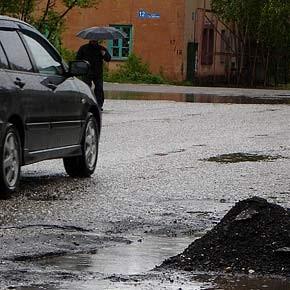За требования о хороших дорогах автовладельцев теперь еще и бьют!