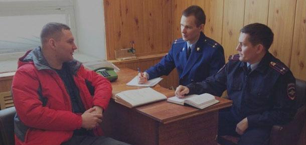 Печорским транспортным прокурором Владиславом Пьяновым в здании аэропорта Печора Республики Коми проведен прием граждан.