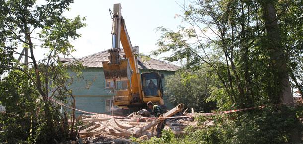 В Печоре начали подготовительные работы по сносу аварийных домов