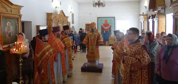 Визит епископа в Печору