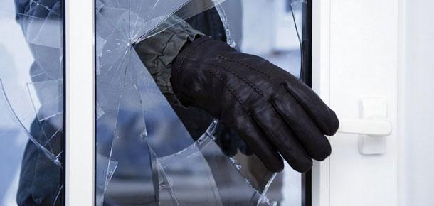 За сутки в дежурную часть ОМВД России по городу Печоре обратились два местных жителя