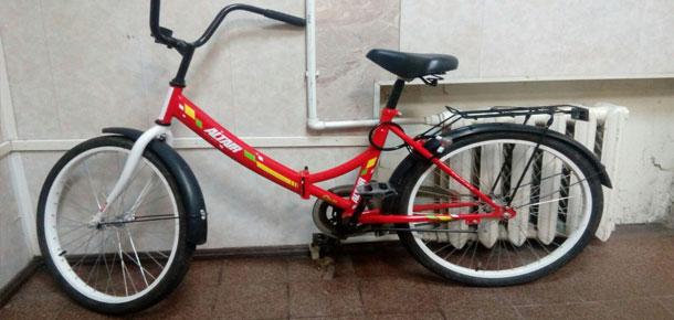 Сотрудники полиции г. Печора устанавливают личность владельца велосипеда