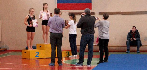 Выступали гимнастки