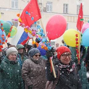 Праздник снега и шариков – ФОТО