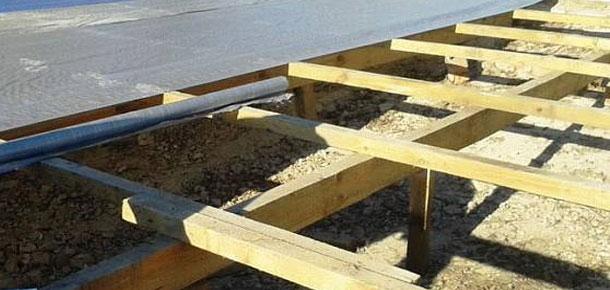 Жители Печоры подозреваются в краже профнастила